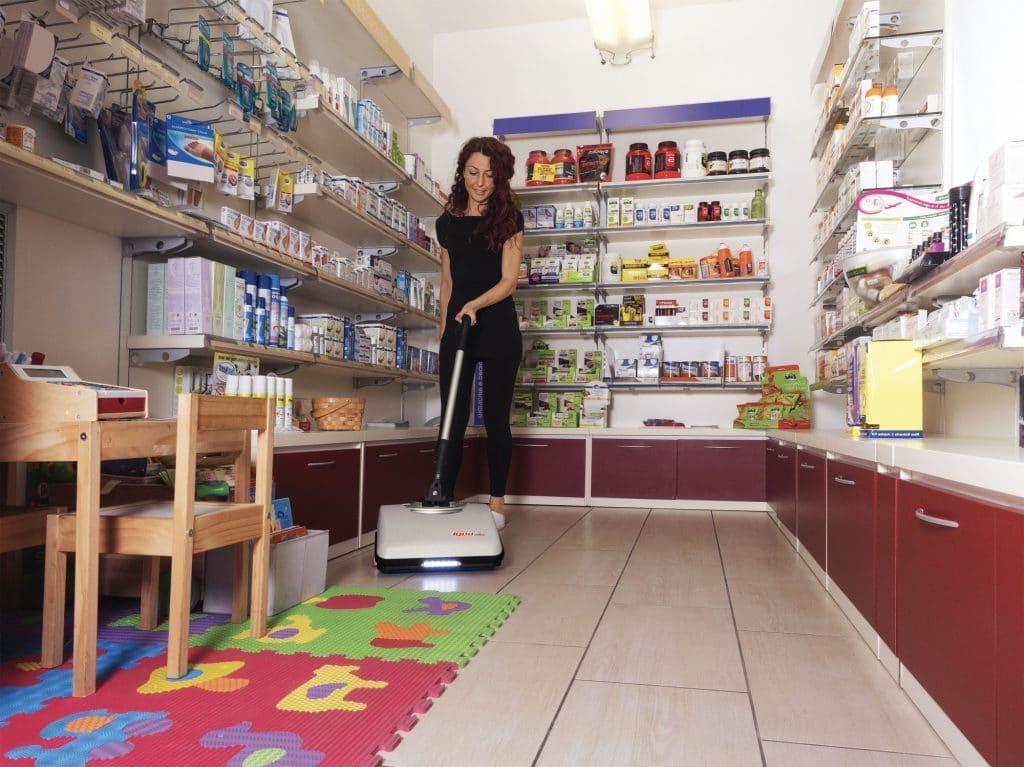 comac-igea-lavasciuga-pavimenti-retail-farmacia