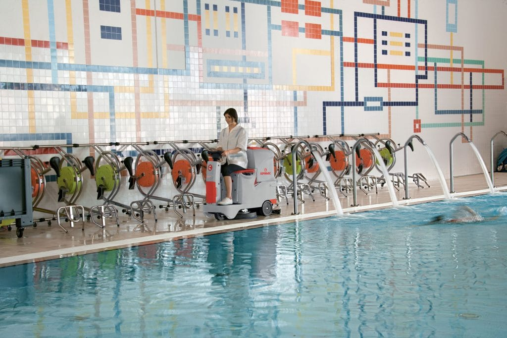 1603889879193-comac-innova-55-lavasciuga-pavimenti-piscina