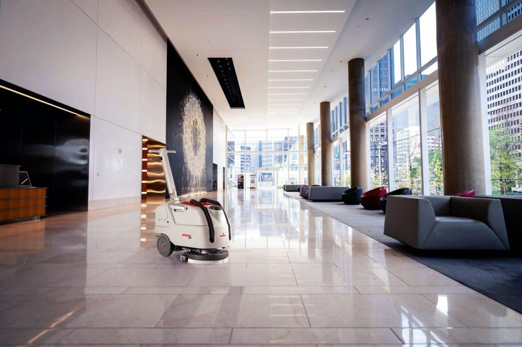 Comac-vispa-xl-lavasciuga-pavimenti-hall-hotel