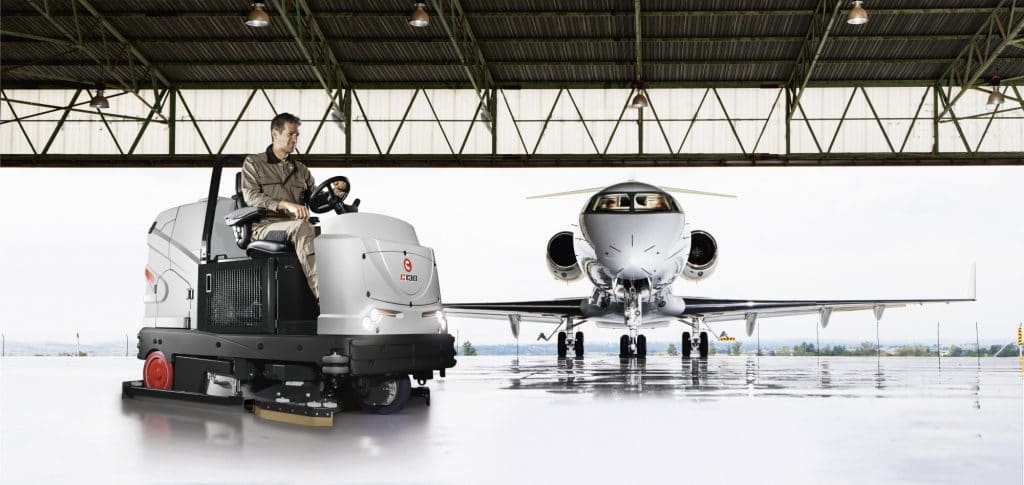 comac-c130-lavasciuga-pavimenti-aeroporto