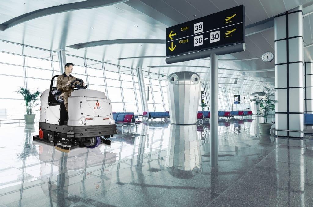 comac-c130-lavasciuga-pavimenti-terminal-aeroporto