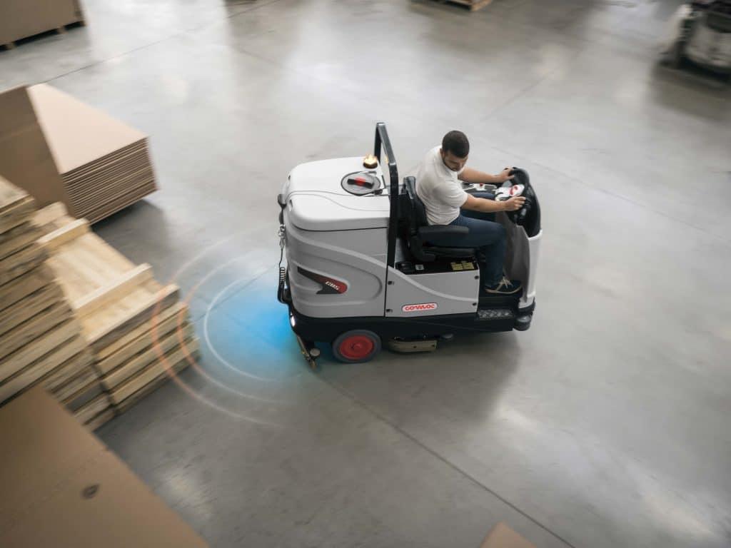 comac-c85-lavasciuga-pavimenti-industriale-sensori-di-parcheggio