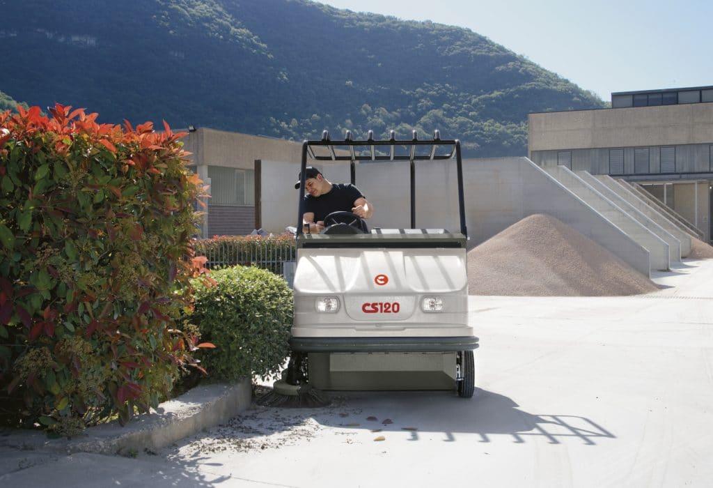 comac-cs120-diesel-spazzatrice-industriale-per-esterni