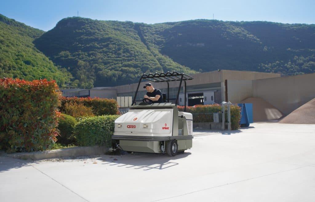 comac-cs120-spazzatrice-industriale-aree-comuni
