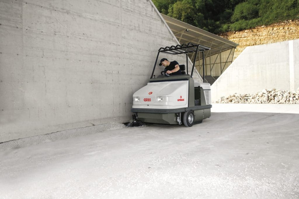 comac-cs120-spazzatrice-industriale-logistica-materie-prime