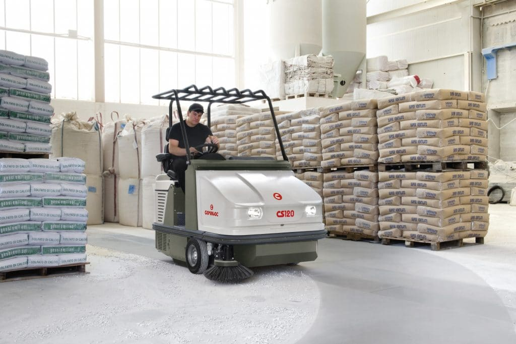 comac-cs120-spazzatrice-industriale-magazzino-logistica-polvere