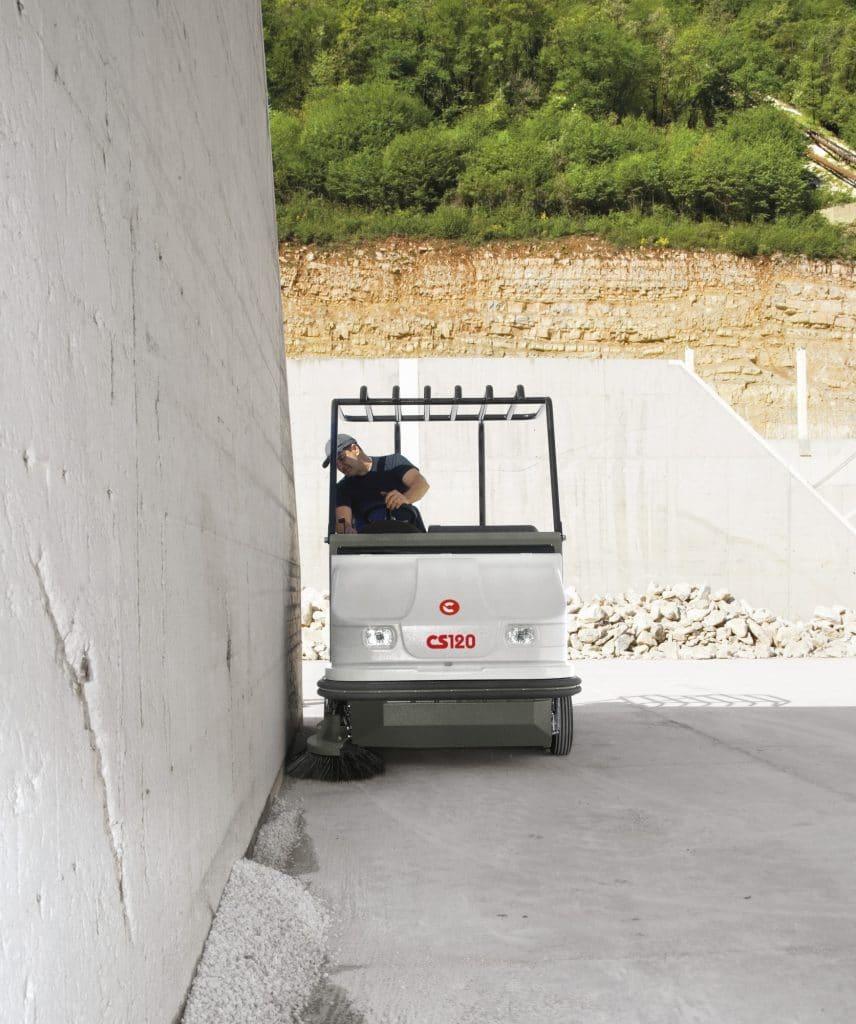 comac-cs120-spazzatrice-industriale-produzione-ceramica