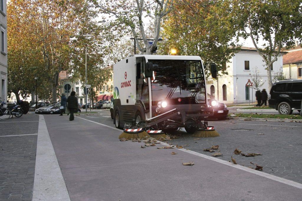 comac-cs140-spazzatrice-stradale-terza-spazzola-spazza-marciapiede